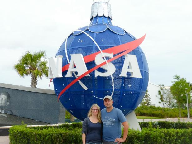 Wir im Kennedy Space Center - ein NASA Traum wird wahr , NASA Weihnachtskugel, Cape Canaveral
