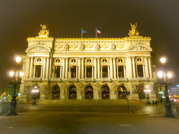 Opéra Garnier bei Nacht in Paris