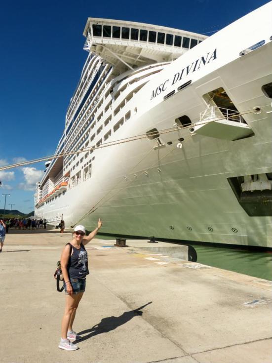Da ist unser Schiff, die MSC Divina-1200x900