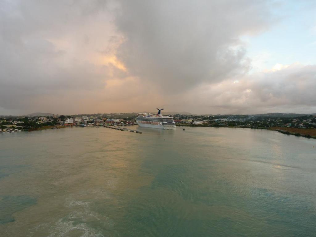 Gewitterwolken über St Johns-1200x900