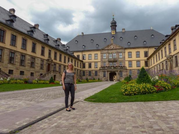 Iris am Schloss-1200x900